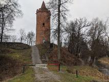 Burgruine Putlitz mit Bergfried und Wallanlage